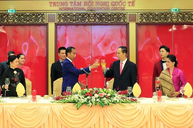 Vietnam values comprehensive cooperation with China: PM, Vietnam attends Eastern Economic Forum in Russia, Banquet hosted in honour of Indonesian President Widodo, Vietnam works to enhance youth exchanges with India