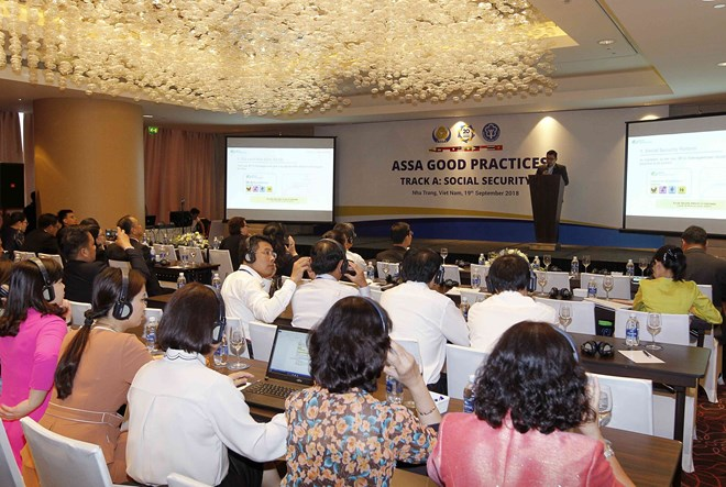 Social security needs to change ahead of the Industry 4.0, Cần Thơ, Australia cooperate in sustainable energy and agriculture, VN and Bulgaria to boost trade co-operation, ASSA 35: members share experience in social, health insurance