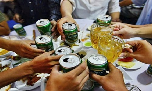 Vietnamese spend nearly US$4 billion drinking beer annually: Health minister