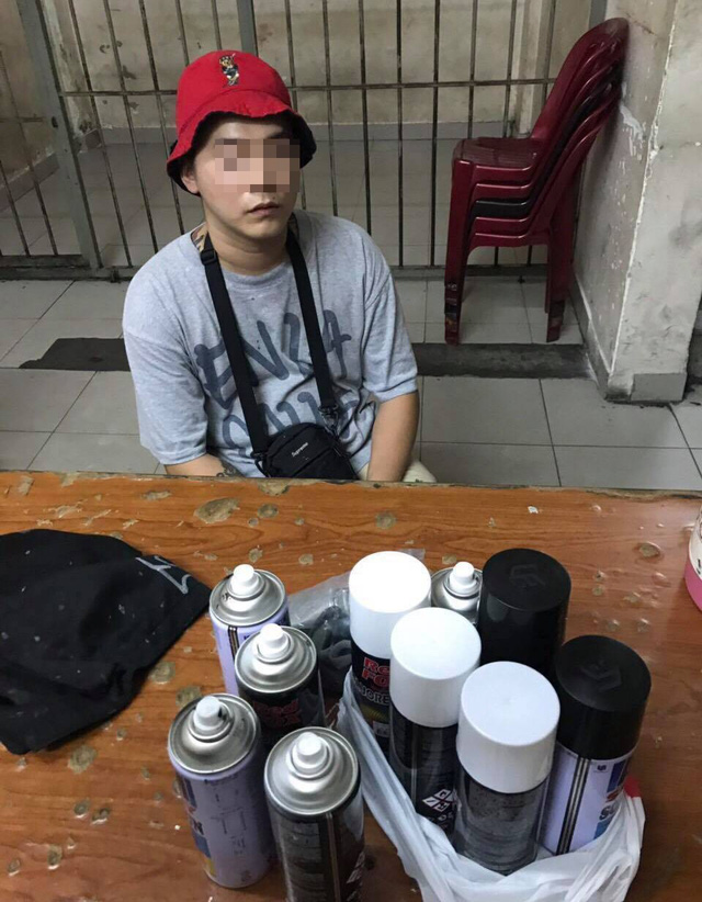 Taiwanese man fined for graffiti in HCM City street