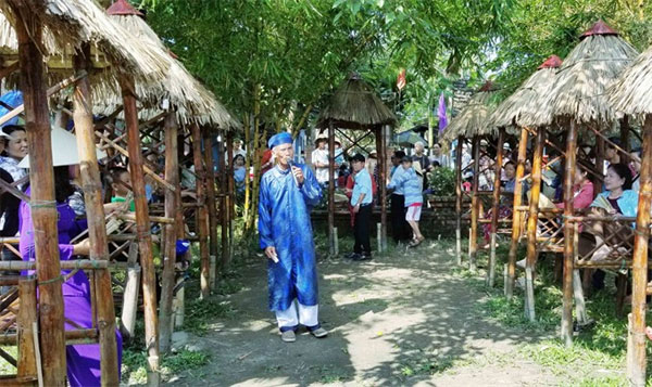 Hue, bài chòi performances, Vietnam economy, Vietnamnet bridge, English news about Vietnam, Vietnam news, news about Vietnam, English news, Vietnamnet news, latest news on Vietnam, Vietnam