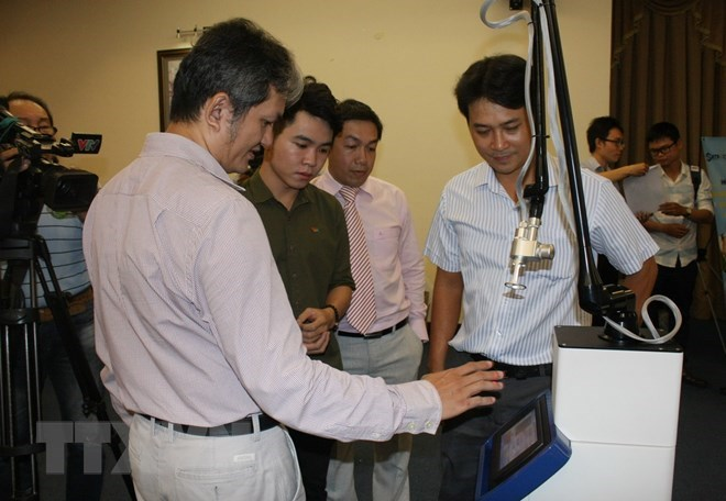 Vietnamese engineers make Fractional CO2 Laser surgical equipment, IT news, sci-tech news, vietnamnet bridge, english news, Vietnam news, news Vietnam, vietnamnet news, Vietnam net news, Vietnam latest news, Vietnam breaking news, vn news