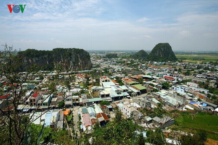 Exploring Marble Mountains in Da Nang