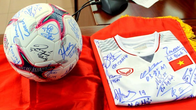2018 AFF Cup champion's keepsakes auctioned to raise funds, Sports news, football, Vietnam sports, vietnamnet bridge, english news, Vietnam news, news Vietnam, vietnamnet news, Vietnam net news, Vietnam latest news, vn news, Vietnam breaking news