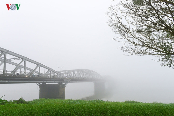 Breathtaking scenery of ancient Hue amid fog in late winter