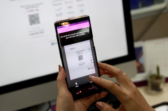 Cashless payments an irreversible trend: VN Central Bank