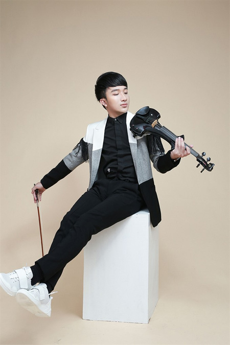 Violinist Hoang Rob, private concert, Vietnam economy, Vietnamnet bridge, English news about Vietnam, Vietnam news, news about Vietnam, English news, Vietnamnet news, latest news on Vietnam, Vietnam