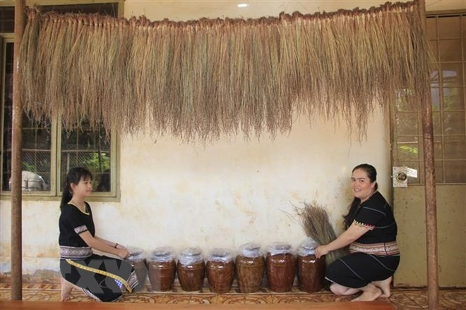 Ruou can hits the spot during Tet, entertainment events, entertainment news, entertainment activities, what's on, Vietnam culture, Vietnam tradition, vn news, Vietnam beauty, news Vietnam, Vietnam news, Vietnam net news, vietnamnet news, vietnamnet bridg