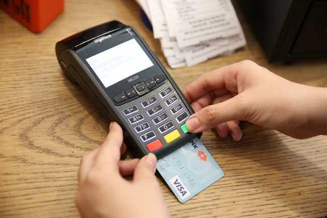 Vietnamese credit card market offers potential for banks, vietnam economy, business news, vn news, vietnamnet bridge, english news, Vietnam news, news Vietnam, vietnamnet news, vn news, Vietnam net news, Vietnam latest news, Vietnam breaking news