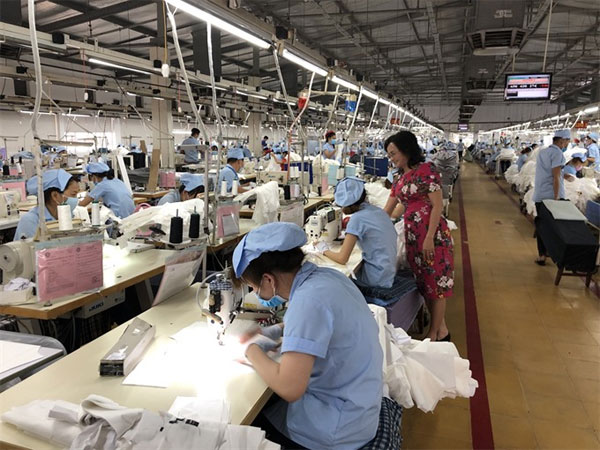 Textiles workers struggle to get by on just $50 a week - News VietNamNet