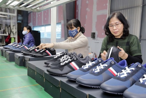 Vietnam exports a billion pairs of shoes per year
