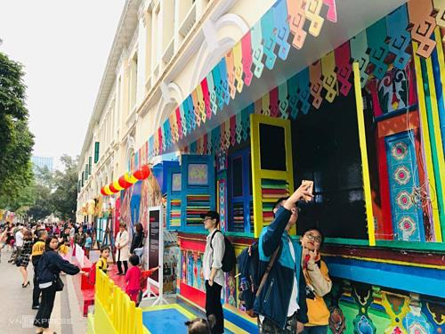 Singapore Festival 2019 opens in Hanoi downtown