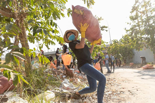 Online movement #trashtag challenge, Vietnamese beauties, Vietnam economy, Vietnamnet bridge, English news about Vietnam, Vietnam news, news about Vietnam, English news, Vietnamnet news, latest news on Vietnam, Vietnam