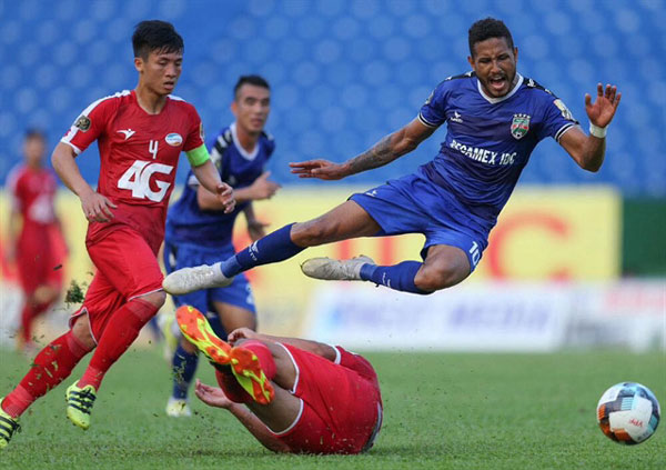 No coach, no problem for Binh Duong
